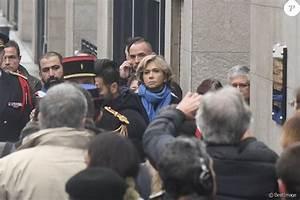 France Suede 13 Novembre 2016 : val rie p cresse lors de l 39 hommage aux victimes des attentats du 13 novembre 2015 devant le ~ Medecine-chirurgie-esthetiques.com Avis de Voitures