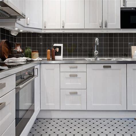 glass kitchen backsplash tiles black shiny porcelain tile non slip tile washroom wall