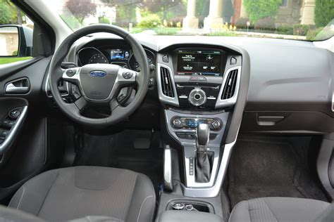 2012 Ford Focus Vs. 2011 Chevrolet