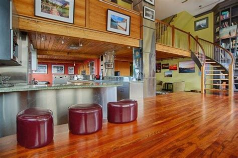 1 781 square foot loft at 66 bell st urbnlivn