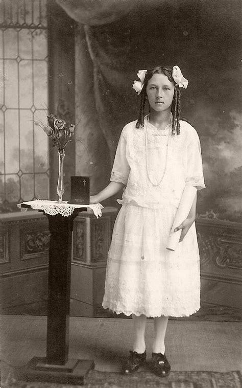 vintage portraits  girls    communion