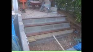 escalier de jardin en beton galet et bois youtube With construire une terrasse en beton