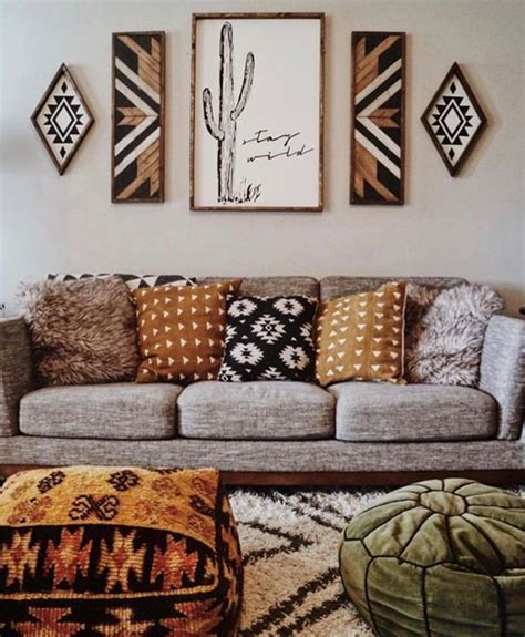Or, for a boho chic retreat, embrace white walls to make your colorful decor stand out. 20 Artistic And Beautiful Boho Wall Art Ideas | HomeMydesign