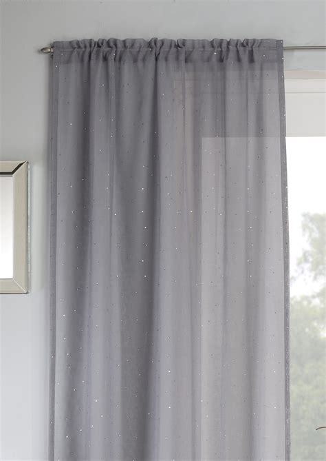 set   grey background  voile curtains
