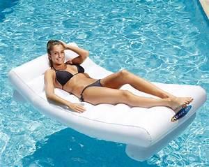 Matelas Gonflable Pour Piscine : matelas gonflable piscine lit gonflable plage intex ~ Dailycaller-alerts.com Idées de Décoration