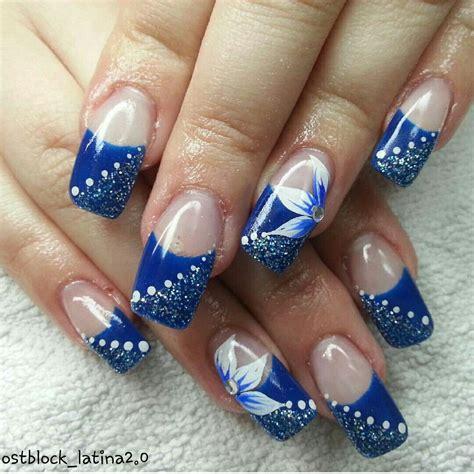 glitzer nägel n 228 gel geln 228 gel blau wei 223 glitzer blume strass punkte nails gelnails blue white glitter strass