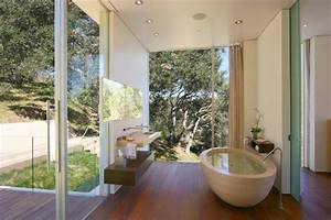 Amazing outdoor bathroom shower ideas you can try in your for Tropical bathroom mirrors