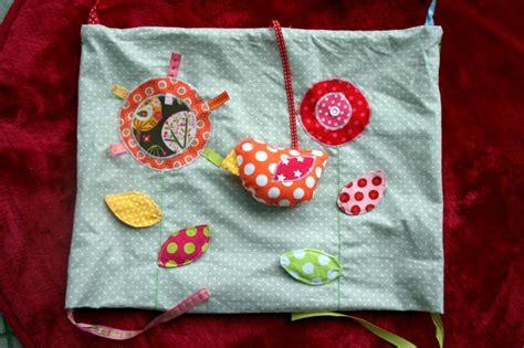 tuto du tapis d 233 veil en 9 coussins le coussin les fleurs et l oiseau tutos diy isastuce