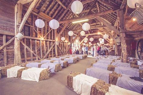 mariage champetre ceremonie laique avec balles de