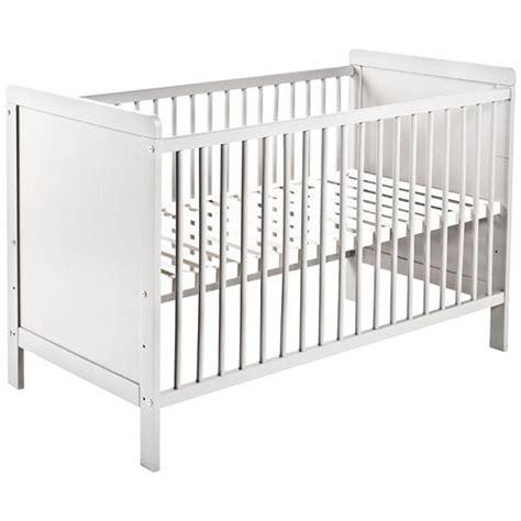 lit de bebe pas cher acheter un lit 224 barreaux pourquoi le faire