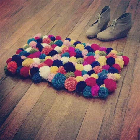 Pom Pom Rug by Pom Pom Rug Tutorial