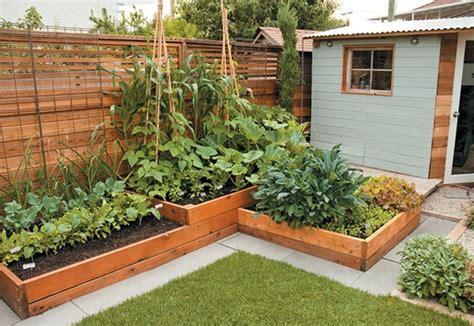Affordable backyard vegetable garden designs ideas 01 ...