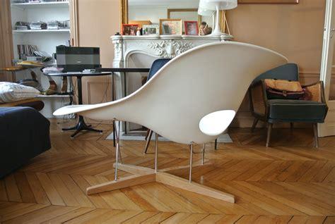 a la chaise la chaise de charles eames pour vitra l 39 atelier 50