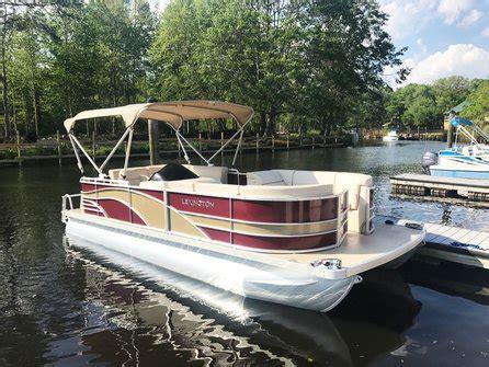 Lexington Pontoon Boats by Lexington 21 Foot Cruising Pontoon