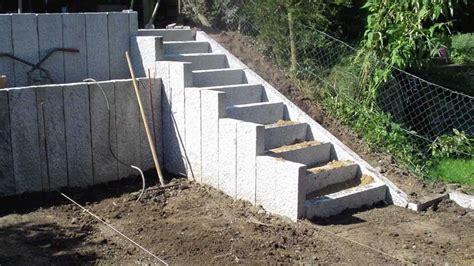randsteine aus beton au enanlage gestalten anleitung pflaster verlegen randsteine setzen tipps
