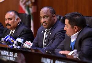 In Inglewood, elected officials are well-paid, speedy and ...