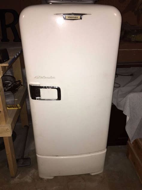 vintage crosley shelvador refrigerator  working