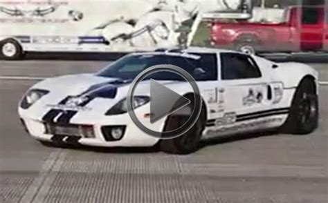ford gt sets  kmh top speed guinness world record