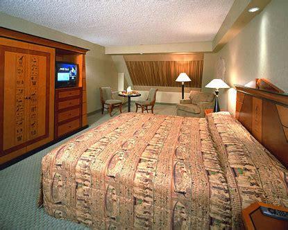 luxor hotel room luxor las vegas rooms