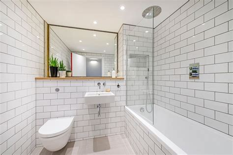 Paint Color For Bathroom With White Tile by White Tile Bathroom Design Ideas Best Home Decorating