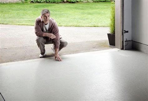 Garage Floor Paint Vs Stain by Using Paint And Stain Applicators At The Home Depot