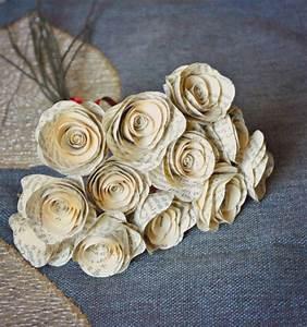 Rosen Aus Papier : rosen aus buchseiten basteln dansenfeesten ~ Frokenaadalensverden.com Haus und Dekorationen