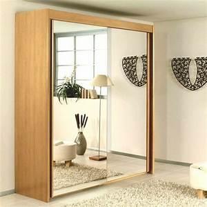 Miroir De Porte : la porte de dressing coulissante garantit un style moderne pour votre armoire dressing ~ Teatrodelosmanantiales.com Idées de Décoration