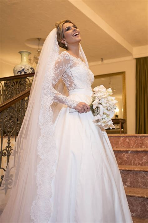 Scalloped Edge Lace Elegant Wedding Dresses 2018 Long Sleeve Court Train Bridal Gowns A Line