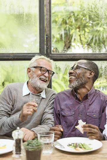 social    seniors finding friends
