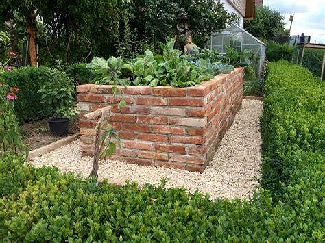 Steine Für Hochbeet Günstig by Hochbeet Selbst Gemauert Garten Hochbeet Garten