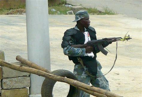 onu si鑒e costa d 39 avorio l 39 altra guerra della francia gbagbo si arrende e chiede protezione all 39 onu