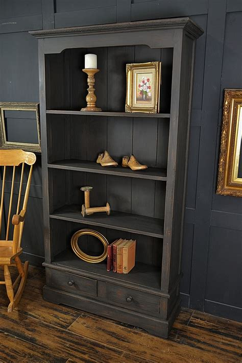 Painted Bookcases Uk by Best 25 Painted Bookcases Ideas On Bookcases