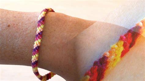 einfaches basteln mit kindern freundschaftsarmband einfaches freundschaftsband knoten basteln mit kindern