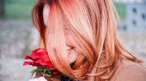 How To Rock Rose Gold Hair When You're A Brunette