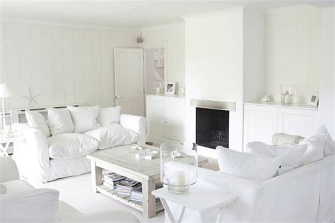 Ideas For Living Room With White Furniture by Small Living Room Ideas With All White Colour Scheme