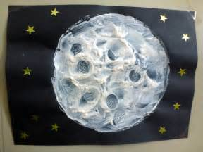 Moon Art Projects for Kids