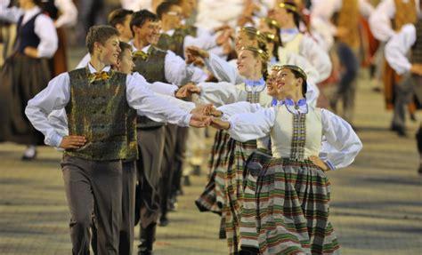 XXVI Vispārējie latviešu Dziesmu un XVI Deju svētki ...