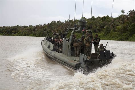 Looking Glass River Boat Launch by 10 Us Sailors 2 Navy Boats Reportedly Held In Iranian