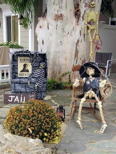 Décoration De Jardin Halloween En Squelettes, Crânes Et Os