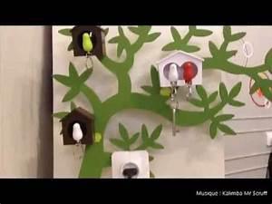 Boite à Clés Originale : objet insolite design porte cles mural design oiseau cabane sparrow key ring qualy design youtube ~ Teatrodelosmanantiales.com Idées de Décoration