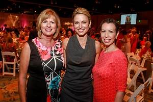 """Good Morning America"" anchor Amy Robach speaks at ..."