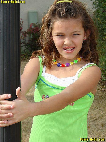 Nonude Girl Models Young