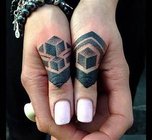 Tatouage Sur Doigt : tatouage doigt faut il l 39 oser tattoome le meilleur du tatouage ~ Melissatoandfro.com Idées de Décoration