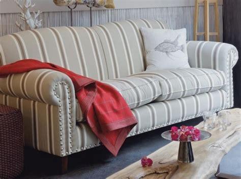 canapé style anglais en tissu canape style anglais tissu fleuri canapé idées de
