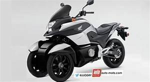 Moto A 3 Roues : scooter honda 3 roues voici le nc 750 d3 scoop moto ~ Medecine-chirurgie-esthetiques.com Avis de Voitures