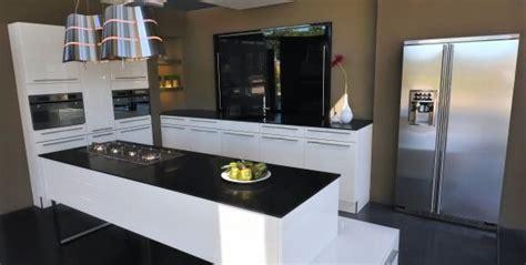 cuisine quartz table de cuisine plan de travail maison design bahbe com