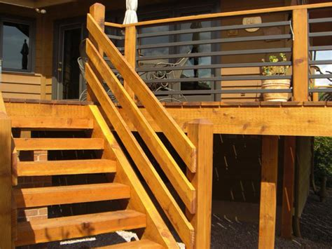 horizontal deck railing embraces  outdoor living  natural  homesfeed