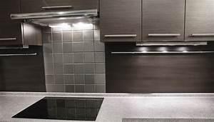 Plan De Travail Wengé : cuisine grise la cuisine tendance en 40 mod les gris clair anthracite ~ Nature-et-papiers.com Idées de Décoration