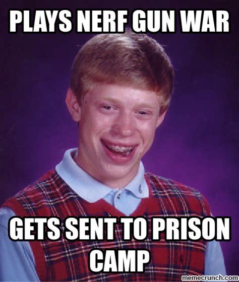 Nerf Gun Meme - plays nerf gun war