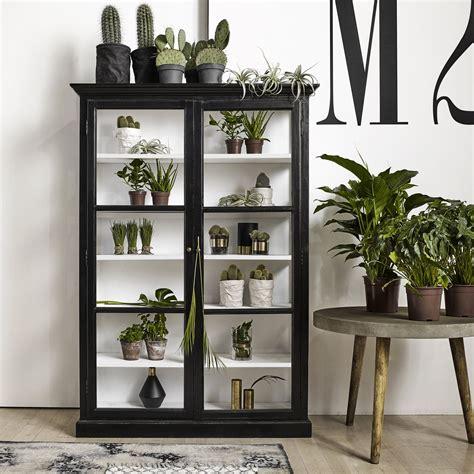 www ikea kitchen cabinets meuble vitrine en bois noir et porte vitr 233 e pour exposer 1673